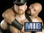 Muscle in Black gay leather Vienna