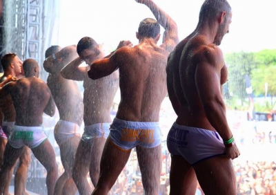 barcellona gay pool party naked